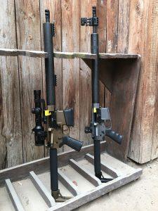 """Die beiden Rifles des DAR Teams - meine Open und Jochen Richters Standard DAR-15 bei der """"Arbeit"""""""